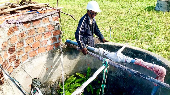 Ở nơi này dân không nhớ nổi là mình đã đào bao nhiêu cái giếng nước - Ảnh 2.