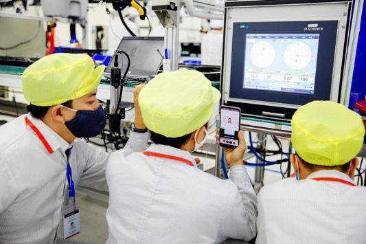 Truyền thông quốc tế dồn dập đăng tải hình ảnh máy thở của Vingroup - Ảnh 7.