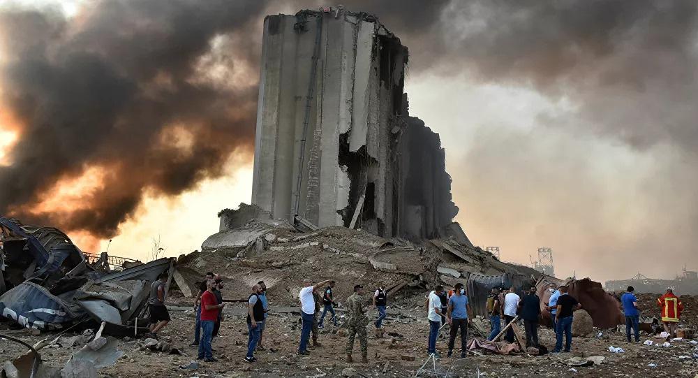 Ai gây ra vụ nổ khủng khiếp như bom nguyên tử ở Beirut? - Ảnh 2.