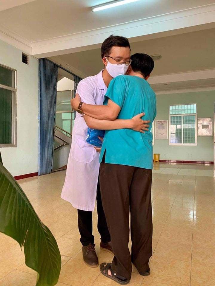 """""""Con đến Đà Nẵng chống dịch cũng để bảo vệ cho Bình Định và nhiều nơi khác, cha mẹ đừng lo!"""" - Ảnh 2."""