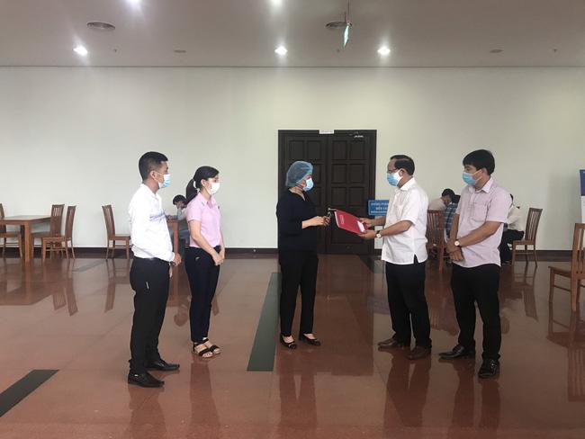 Agribank ủng hộ Đà Nẵng 5 tỷ, Quảng Nam 3 tỷ phòng, chống dịch Covid-19 - Ảnh 4.