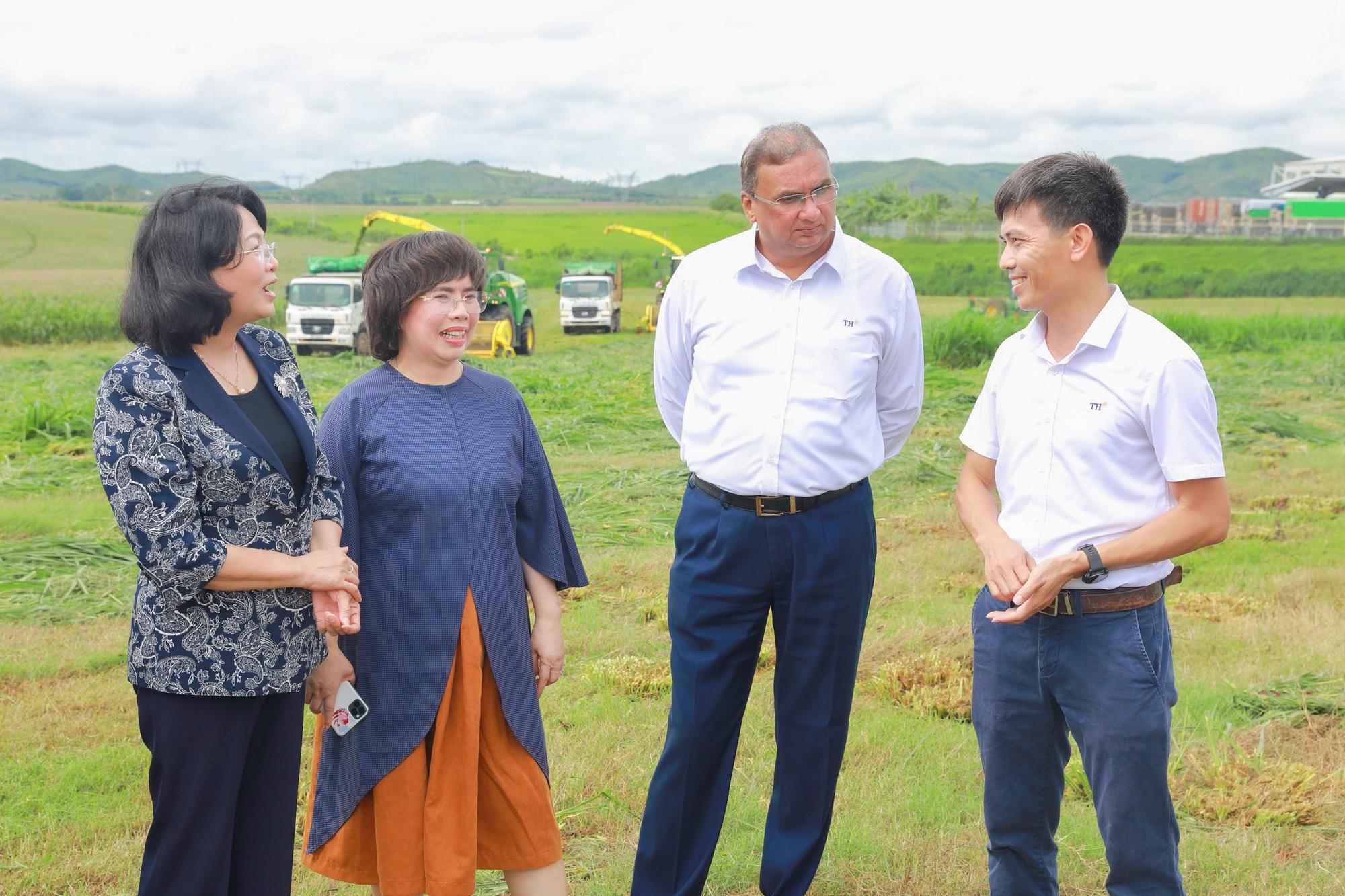 Phó Chủ tịch nước Đặng Thị Ngọc Thịnh ấn tượng với sự tăng trưởng thần kỳ ở vùng Phủ Quỳ - Ảnh 3.