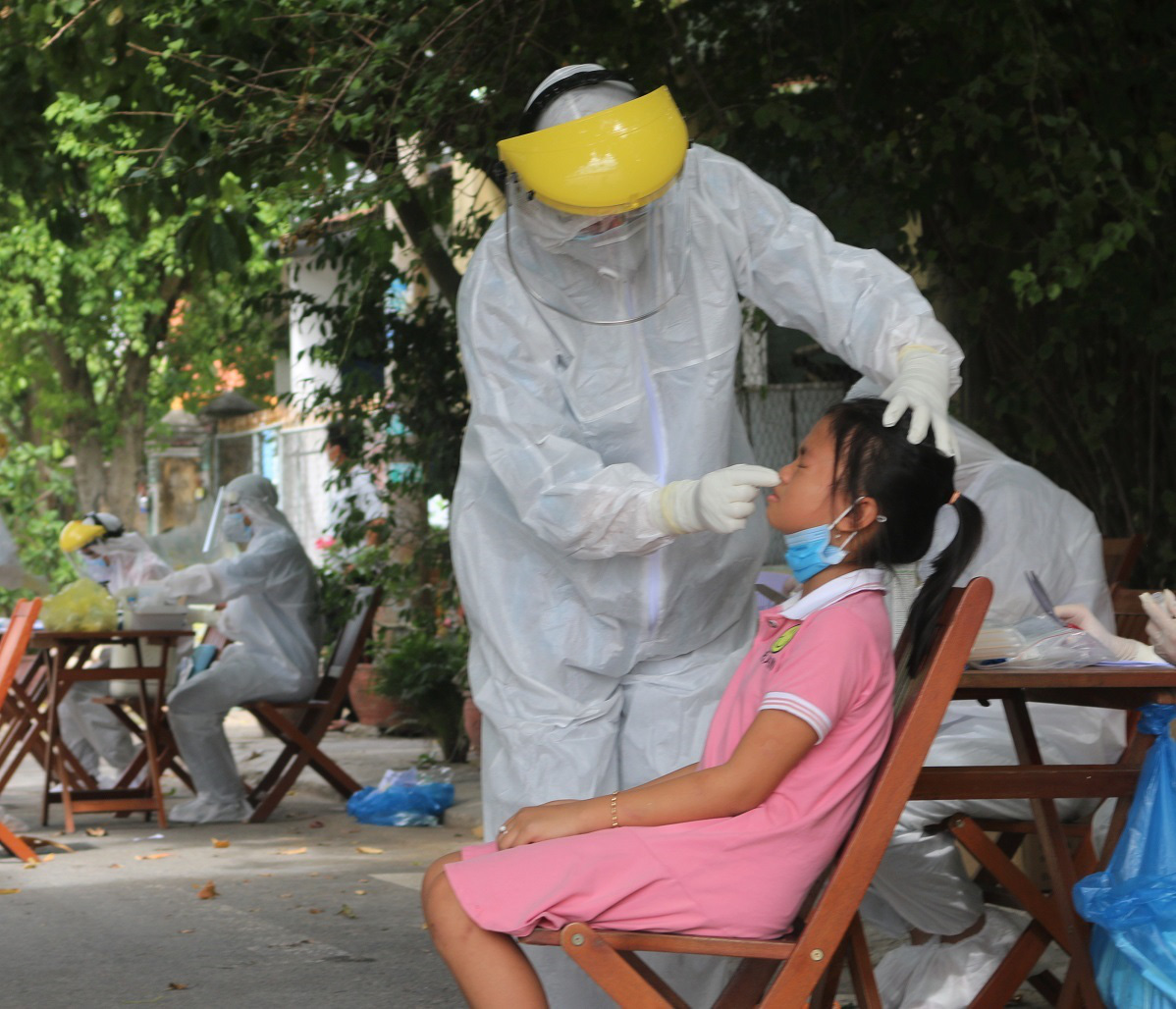 Ba ca mới ở Quảng Nam: Bệnh nhân tiếp xúc rất nhiều người trong đám tang - Ảnh 2.