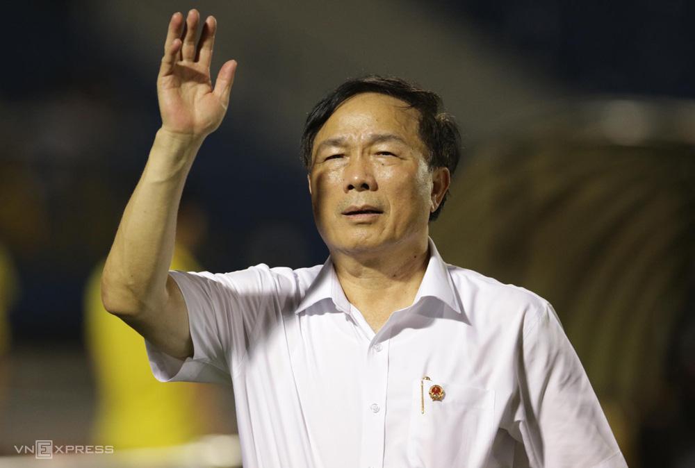 Nếu Thanh Hóa bỏ V.League 2020, Bầu Đệ có thể bị cấm tham gia các hoạt động bóng đá do VFF tổ chức trong thời gian tối thiểu 5 năm.
