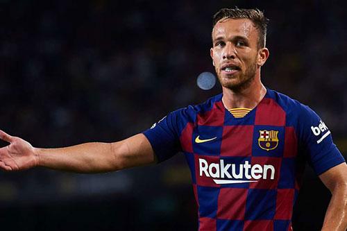 Arthur từ chối luyện tập cùng Barca.