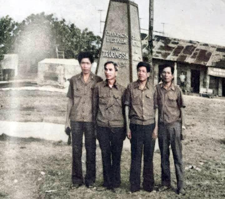 Ấn tượng đặc biệt trong chuyến thăm Trường Sa với Tướng Lê Khả Phiêu - Ảnh 1.