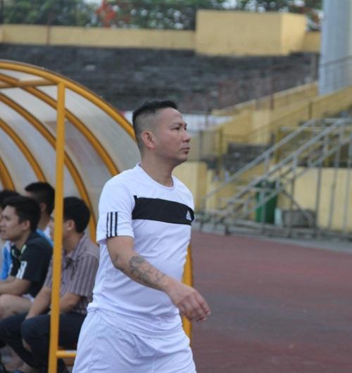 Cựu tuyển thủ Phi Hùng (Kỳ 1): Yêu Việt Trinh, tiêu 100 triệu/đêm và ông trùm cá độ? - Ảnh 2.