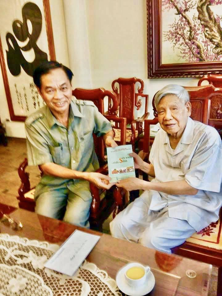 Vị Thiếu tướng và câu chuyện về món quà tặng nguyên Tổng Bí thư Lê Khả Phiêu - Ảnh 2.