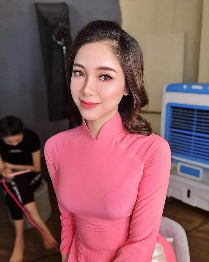 """""""Hot girl"""" tiếp sức mùa thi ở Nghệ An 'gây thương nhớ' - Ảnh 7."""