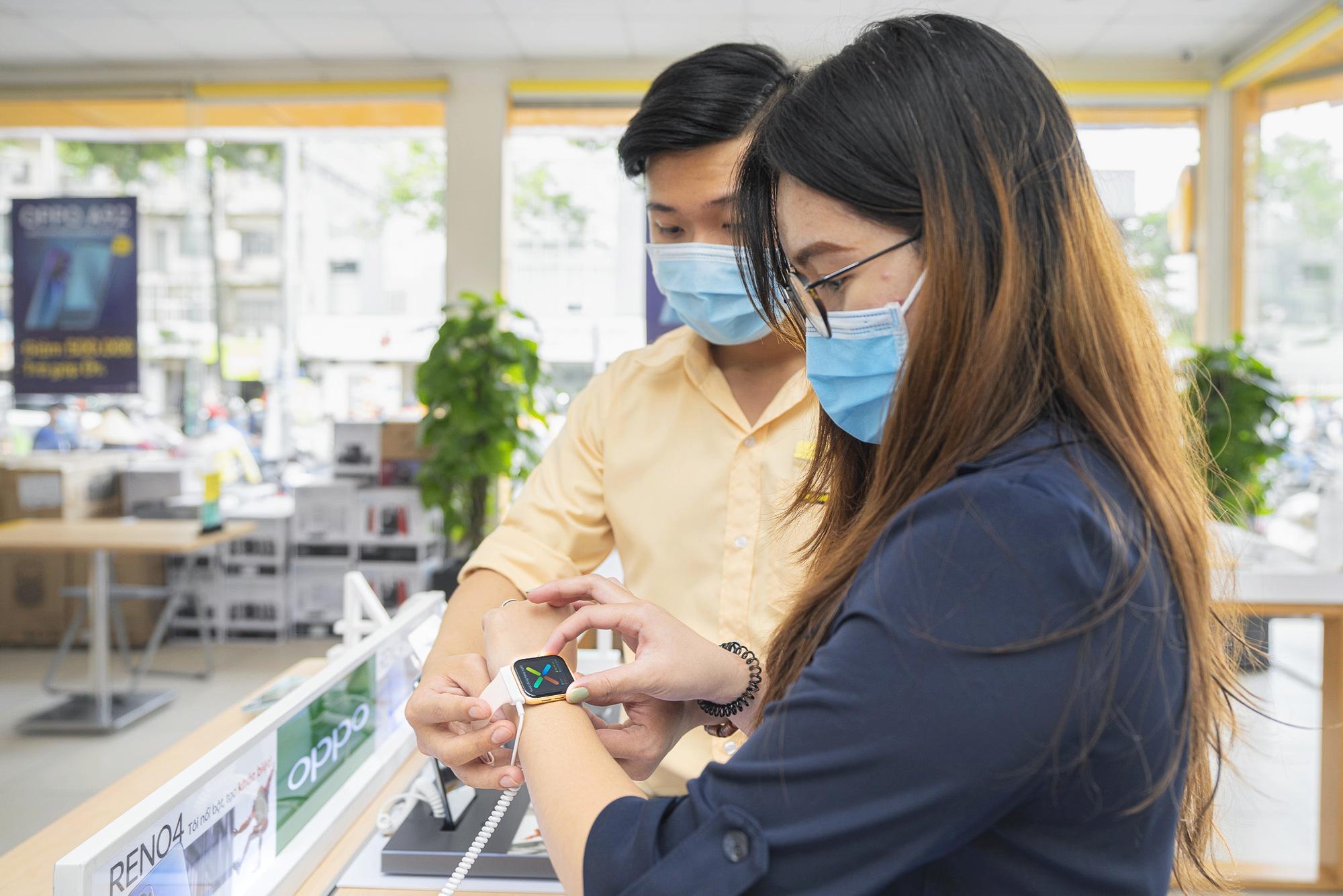 Thế Giới Di Động kí kết phân phối độc quyền chiếc smartwatch đầu tiên của OPPO, mục tiêu bán 20.000 chiếc trong 3 tháng - Ảnh 1.