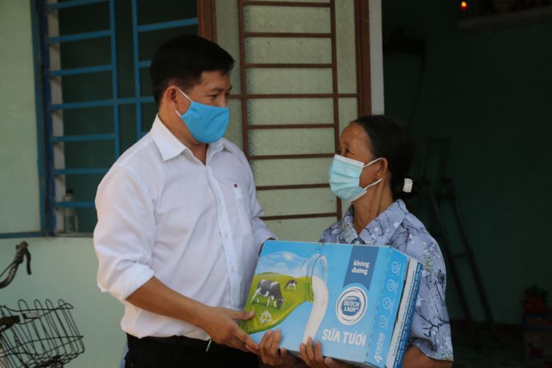 Cô Gái Hà Lan tiếp tục hỗ trợ 120.000 sản phẩm sữa đến tuyến đầu chống dịch - Ảnh 2.