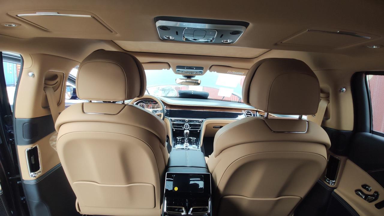 Chùm ảnh Bentley Flying Spur giá 30 tỷ, mới cập bến Việt Nam - Ảnh 12.