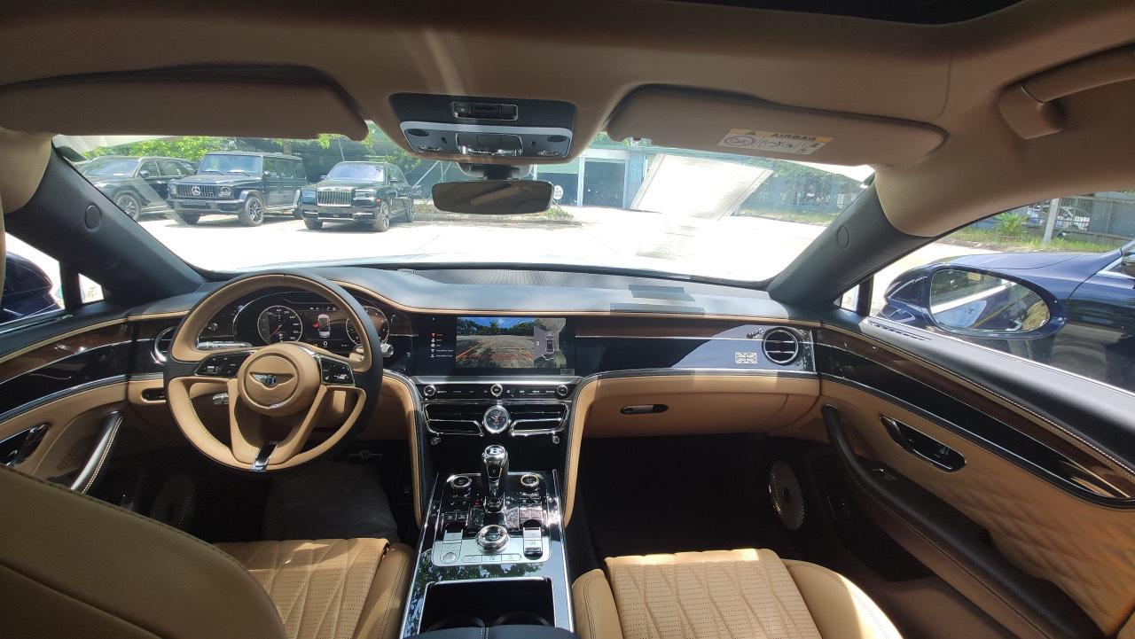 Chùm ảnh Bentley Flying Spur giá 30 tỷ, mới cập bến Việt Nam - Ảnh 9.
