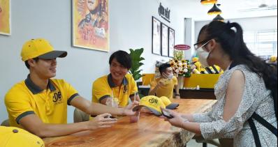 Cà phê Ông Bầu ra mắt sinh viên Sài Gòn - Ảnh 4.