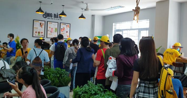 Cà phê Ông Bầu ra mắt sinh viên Sài Gòn - Ảnh 1.