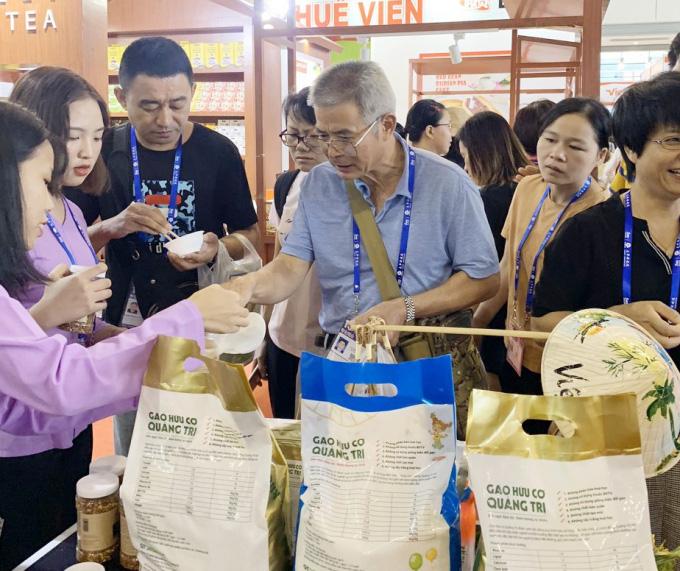 Gạo hữu cơ 'vô cùng sạch' của Quảng Trị bước ra thị trường - Ảnh 3.