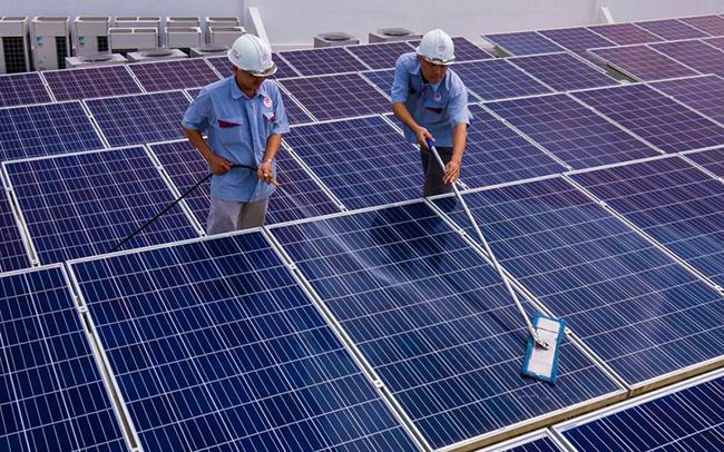 """Bộ Công Thương ban hành văn bản hướng dẫn, """"gỡ rối"""" cho điện mặt trời mái nhà - Ảnh 1."""