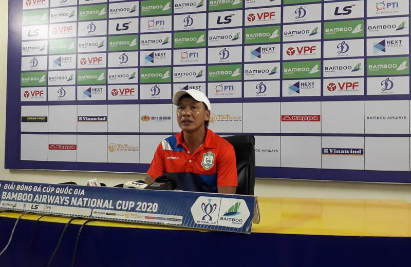 Thua muối mặt Hà Nội FC, HLV XSKT.Cần Thơ khuyên Quang Hải điều này! - Ảnh 2.
