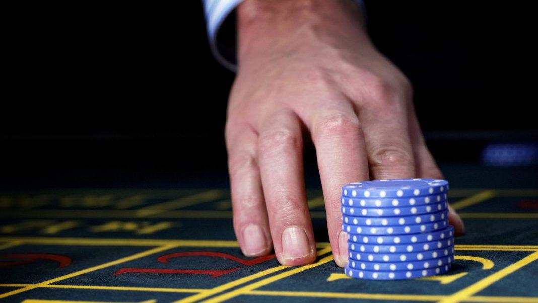 Thị trường chứng khoán 11/9: Áp lực chuyển sang blue-chips - Ảnh 1.