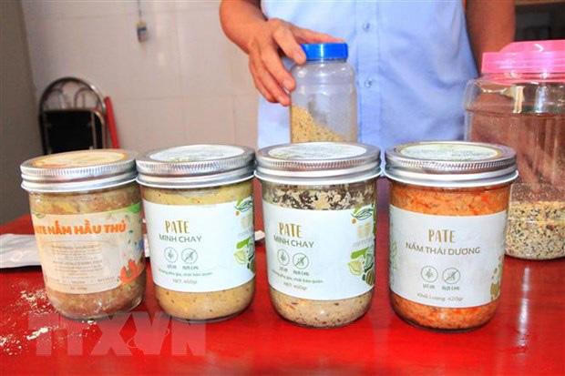 Nhiều cơ sở kinh doanh thực phẩm chay tại Hà Nội vi phạm quy định ATTP - Ảnh 1.