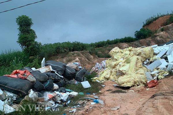 Phú Thọ: Rác thải nguy hại trong KCN Phú Hà bị xả trộm ra môi trường - Ảnh 3.