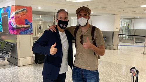 Higuain (phải) đến Mỹ chuẩn bị ra mắt Inter Miami.