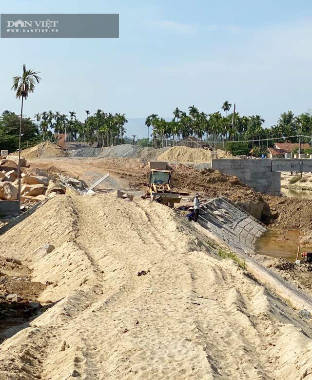 Quảng Ngãi: Cầu 25 tỷ sắp xong nhưng dự án đường nối 42 tỷ còn trên giấy  - Ảnh 4.