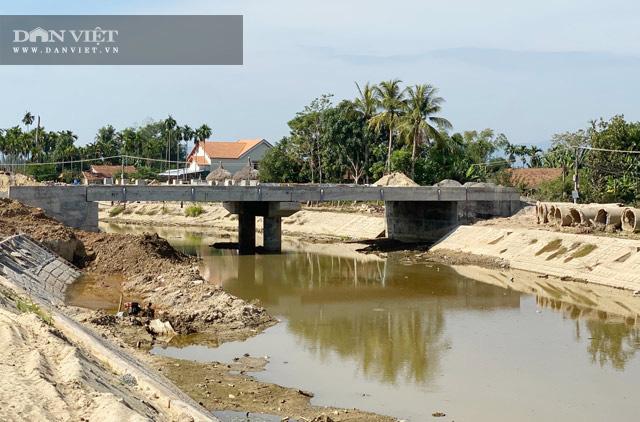 Quảng Ngãi: Cầu 25 tỷ sắp xong nhưng dự án đường nối 42 tỷ còn trên giấy  - Ảnh 1.