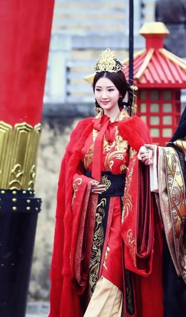 Nữ nhân Trung Hoa 6 tuổi nhập cung làm Hoàng hậu, 15 tuổi trở thành Thái hậu và trải qua 4 đời Hoàng đế - Ảnh 2.