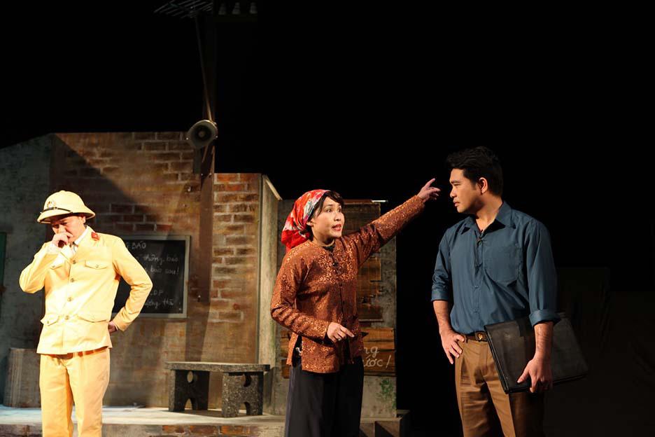 Nhà hát Tuổi trẻ, kỷ niệm 40 năm công diễn vở kịch đầu tay của nhà viết kịch Lưu Quang Vũ  - Ảnh 2.