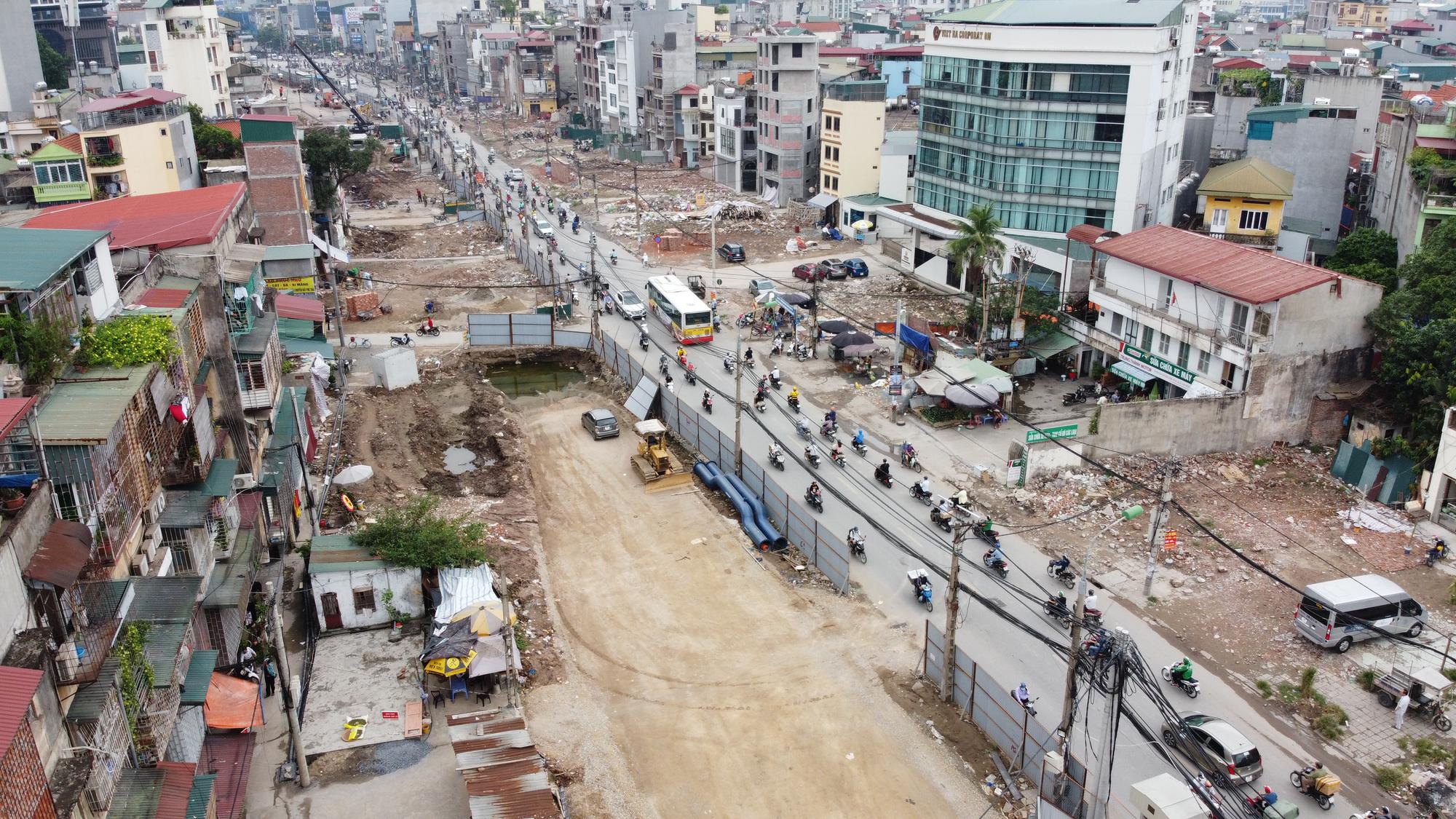 """Đường vành đai 2 mở rộng: Giá đất mặt phố """"leo thang"""" từng ngày - Ảnh 1."""