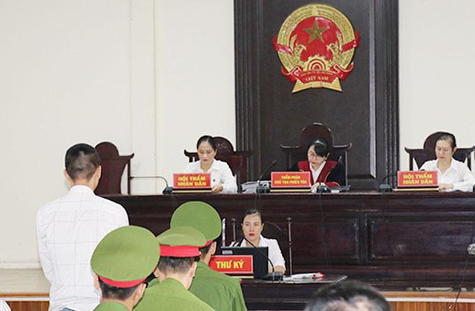 39 người Việt tử vong ở Anh: Bố mẹ nạn nhân Phạm Thị Trà My xin giảm hình phạt cho bị cáo - Ảnh 2.