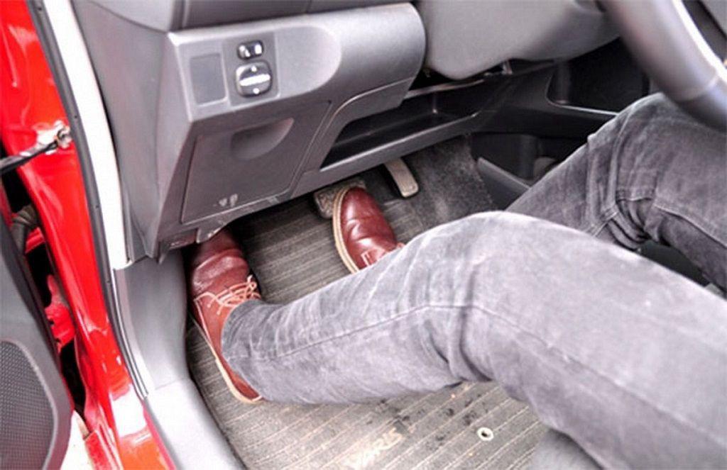 Lái xe số tự động có thật sự đơn giản? - Ảnh 2.