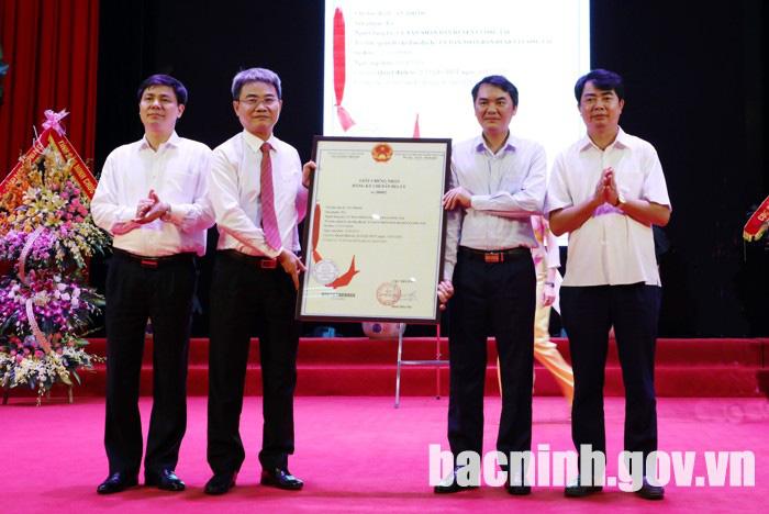 """Bắc Ninh: """"Tỏi An Thịnh"""" được trao bằng sở hữu trí tuệ về chỉ dẫn địa lý - Ảnh 2."""