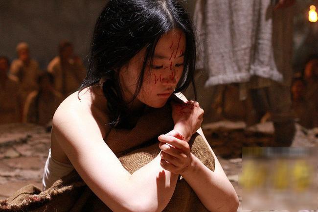 Không phải thái giám mới cần tịnh thân, một số cung nữ cũng sẽ bị tịnh thân với cách thức đau đớn tột cùng - Ảnh 1.
