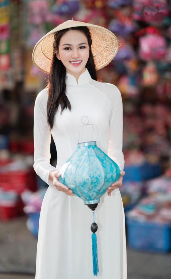 """9X có đôi chân """"vạn người mê"""", chỉ xếp sau Lương Thùy Linh thi tại Hoa hậu Việt Nam 2020 là ai? - Ảnh 6."""