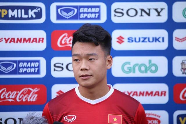 """Trung vệ Nguyễn Thành Chung: Lớp 10 đã bị """"cắm sừng"""", giờ thì """"FA"""" - Ảnh 1."""