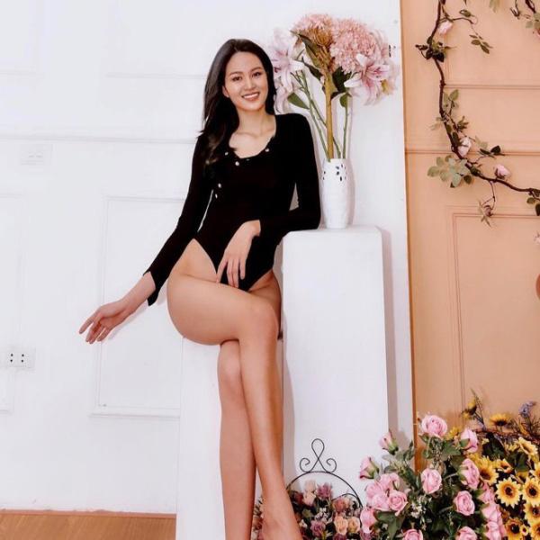 """9X có đôi chân """"vạn người mê"""", chỉ xếp sau Lương Thùy Linh thi tại Hoa hậu Việt Nam 2020 là ai? - Ảnh 7."""