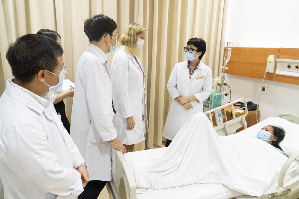 Chuyên gia tập đoàn y khoa Mỹ, Úc triển khai nhiều hoạt động xây dựng Trung tâm Ung bướu xuất sắc (COE) tại Vinmec - Ảnh 1.