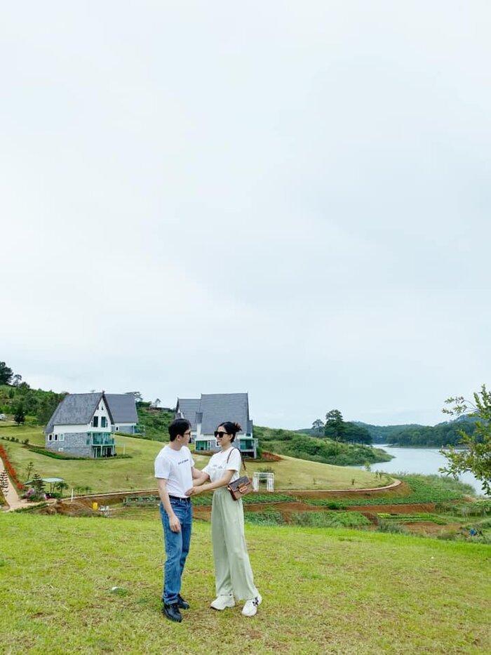 Lý do khiến Phan Mạnh Quỳnh phải hoãn cưới lần 2 dù đã cầu hôn bạn gái Khánh Vy 2 năm - Ảnh 2.