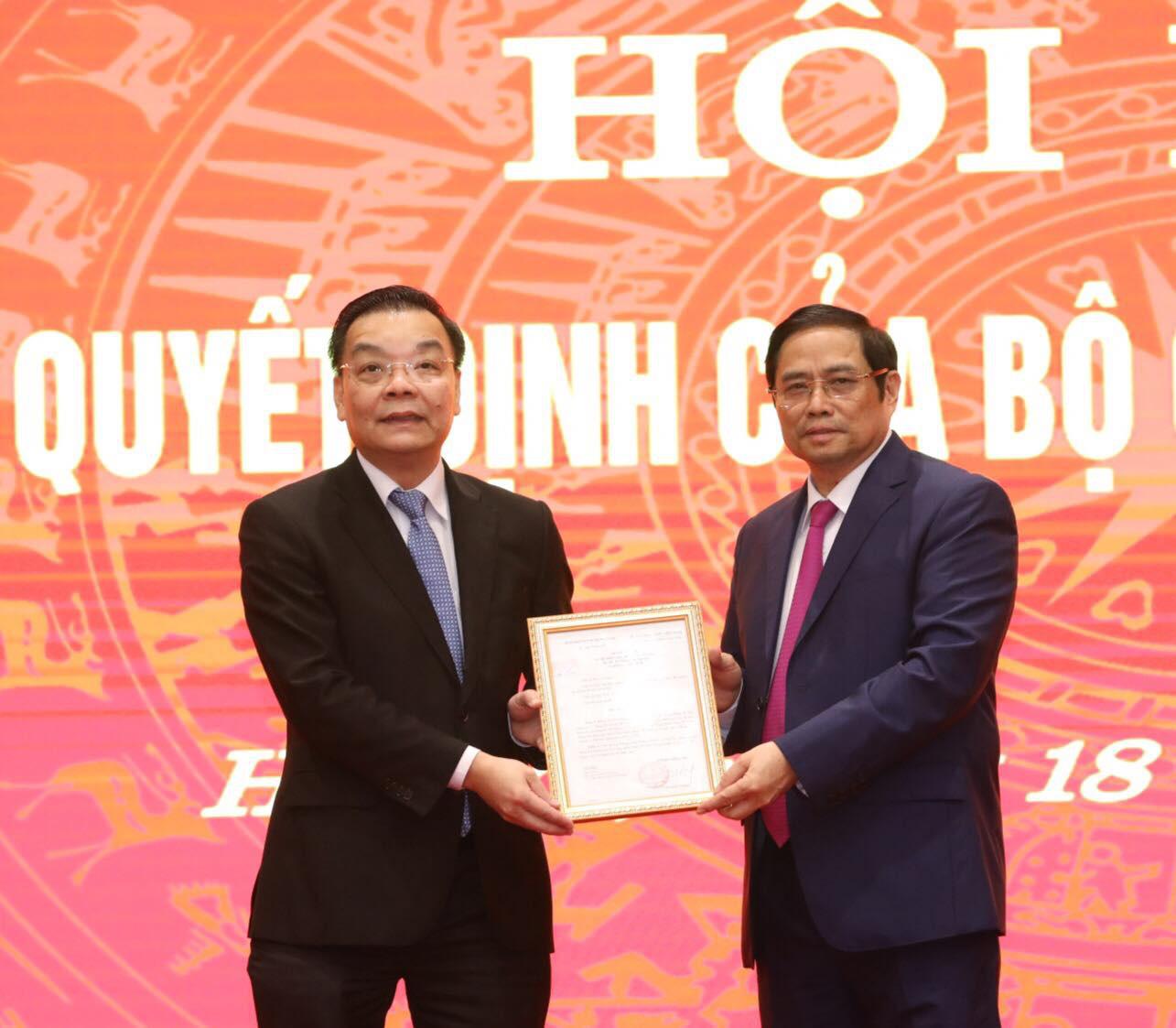 Bộ Chính trị điều động Bộ trưởng Bộ Khoa học và Công nghệ Chu Ngọc Anh làm Phó Bí thư Thành ủy Hà Nội - Ảnh 1.