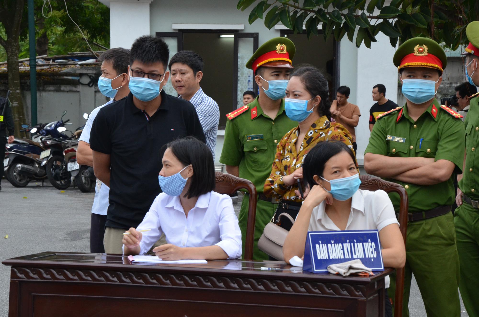 Vợ Đường 'Nhuệ' và 4 cán bộ thao túng đấu giá đất tại Thái Bình hầu toà - Ảnh 1.