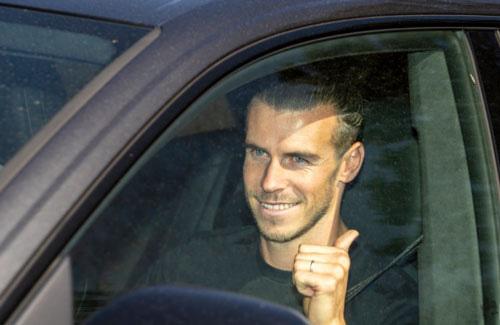 Gareth Bale đã đến London để chờ ra mắt Tottenham.
