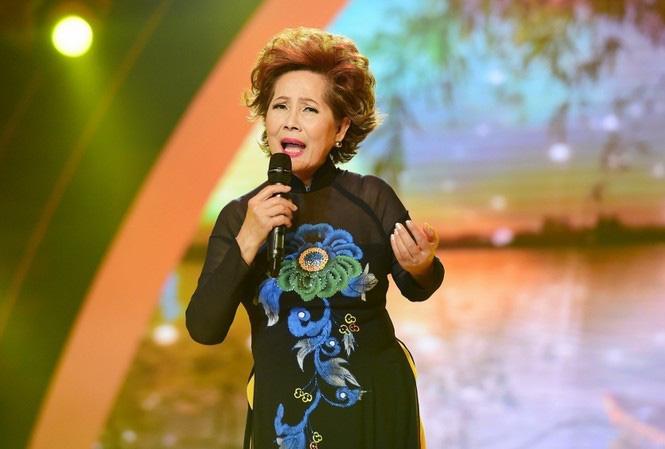 Nữ ca sĩ có 8 người con và hôn nhân hạnh phúc với chồng hơn 13 tuổi - Ảnh 2.