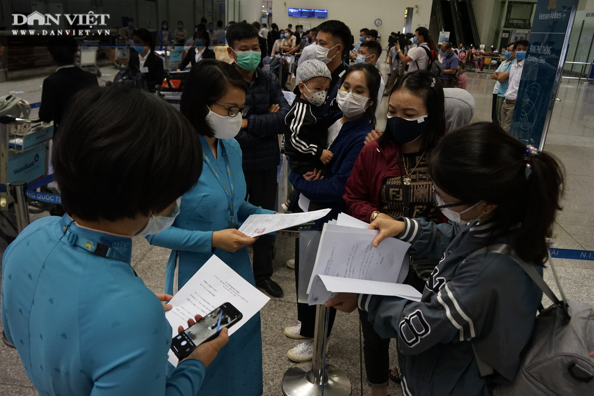 Cận cảnh chuyến bay thương mại quốc tế giữa Việt Nam - Nhật Bản hậu Covid-19 - Ảnh 2.