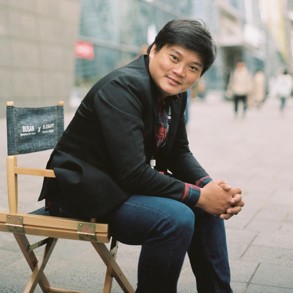 """Rapper Wowy và đạo diễn phim """"Ròm"""" giao lưu với khán giả tối 19/9 tại Hà Nội - Ảnh 1."""