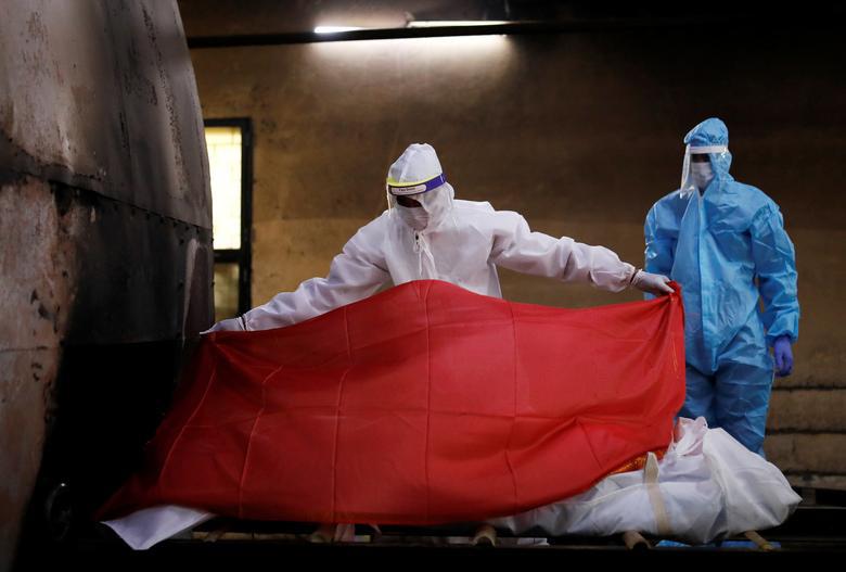 Ấn Độ quay cuồng, chống chọi với số ca nhiễm hàng ngày nhiễm Covid-19 cao nhất thế giới - Ảnh 4.