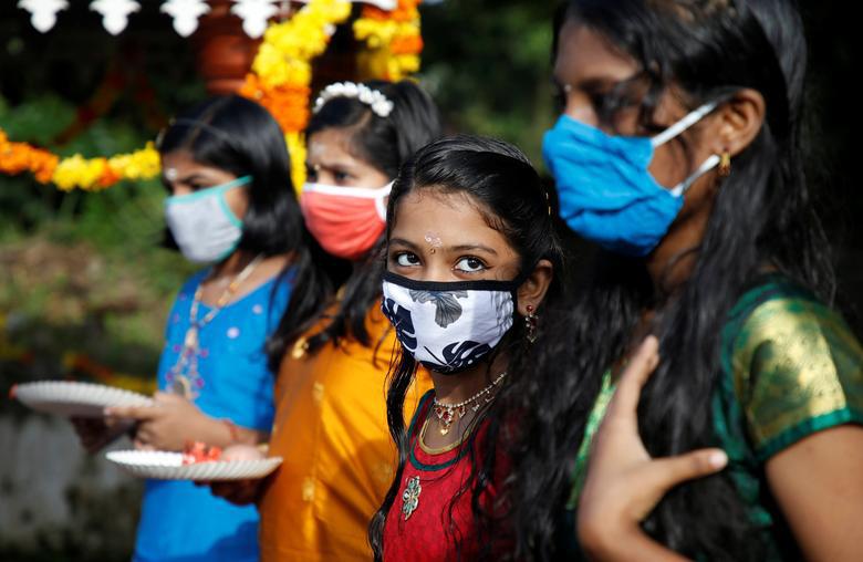 Ấn Độ quay cuồng, chống chọi với số ca nhiễm hàng ngày nhiễm Covid-19 cao nhất thế giới - Ảnh 9.
