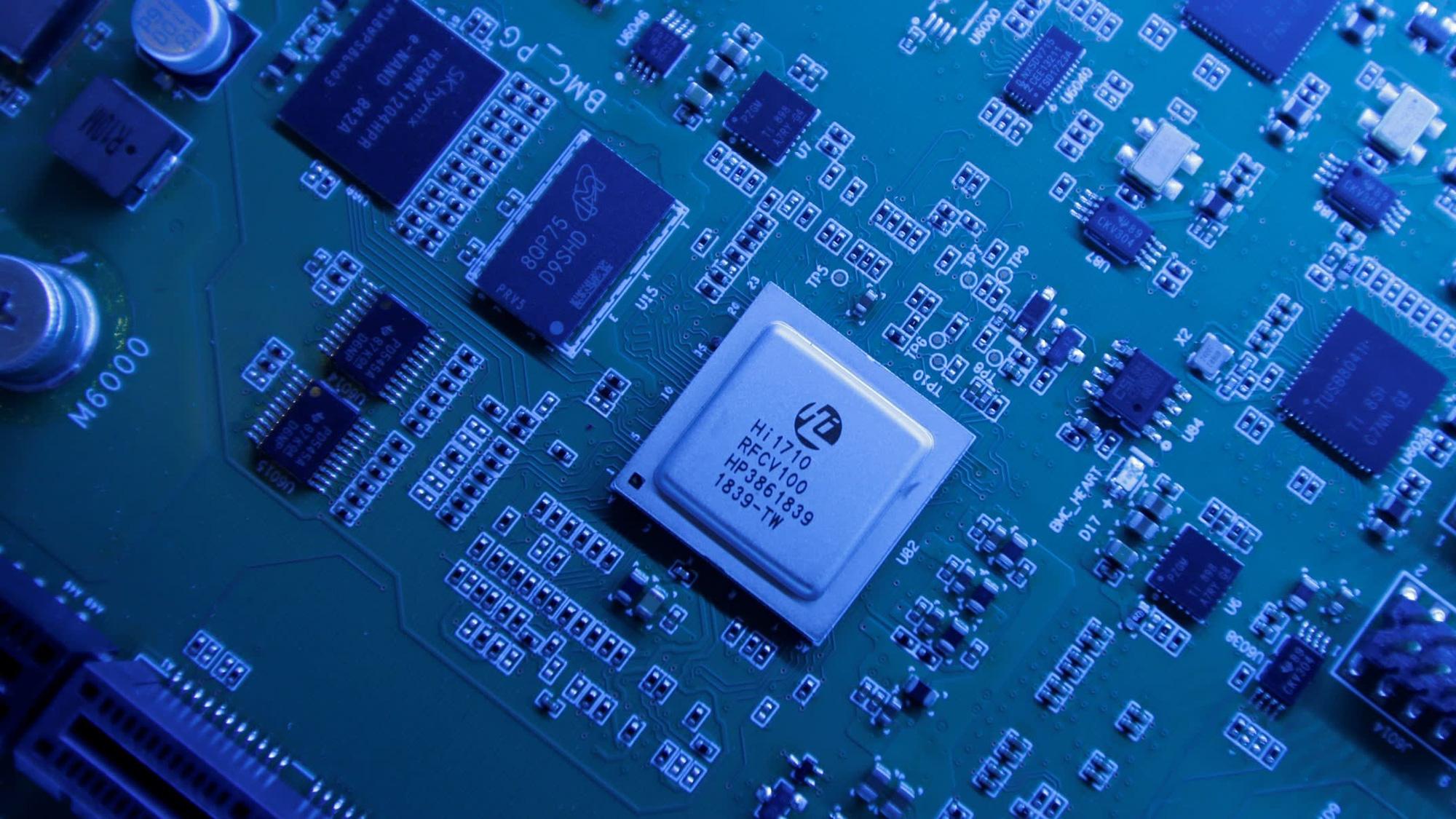 Ngấm đòn từ Mỹ, HiSilicon của Huawei sẽ sớm rời top 10 nhà cung cấp chip lớn nhất hành tinh - Ảnh 1.