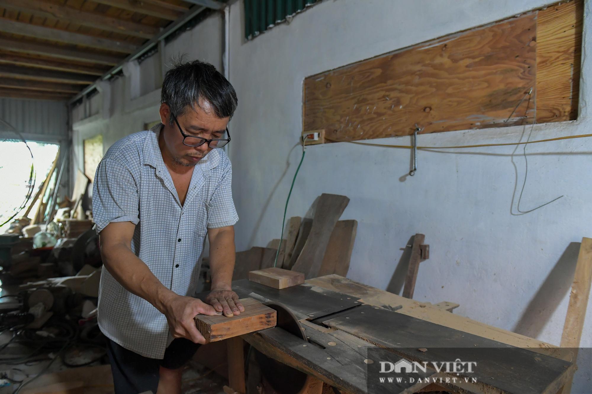 Chiêm ngưỡng kỹ năng điêu luyện của người đàn ông 40 năm làm khuôn bánh trung thu - Ảnh 2.